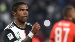 Douglas Costa refuzon Wolverhamptonin